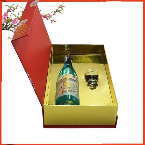 hộp quà rượu saek vẩy vàng